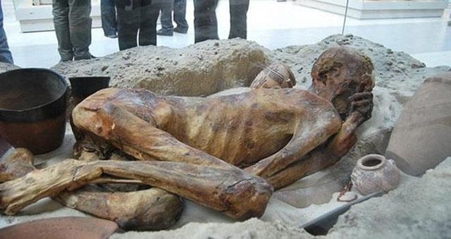Firavunun Cürümeyen Cesedi,Firavun Cesedi Tüyler Ürpertti Foto Galerisi