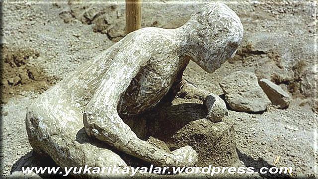 Kavimler Niçin Helak Oldu,pompeitas-kesilen-insanlaribretliklut-kavmitac59f-kesilen-insanlar-e28093-ibretlik-e28093-pompei4