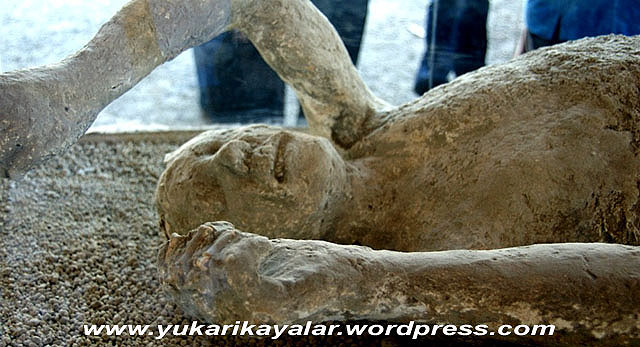 Pompei,tas kesilen insanlar,ibretlik,lut kavmi,TAŞ KESİLEN İNSANLAR – İBRETLİK – POMPEİ,7