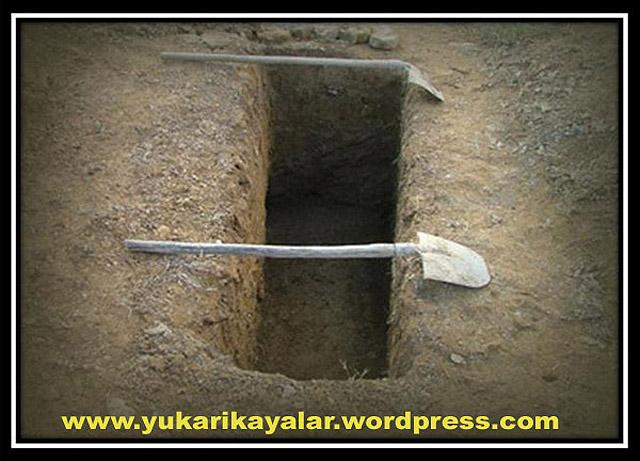 kabir-suali-ertelenenlercenaze-namazi-kilinmayan-kimselerkabirsualiertelenenler