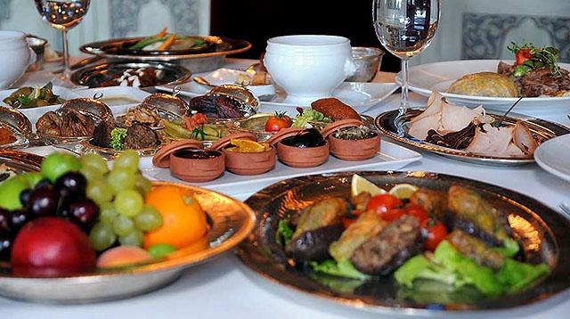 meleklerin uğramadığı iftar sofraları,Iftar1-1373795374
