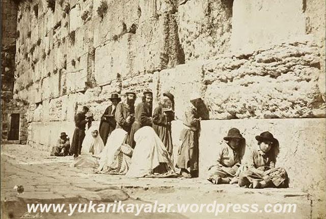 Yahudiler Dört Fırkadır