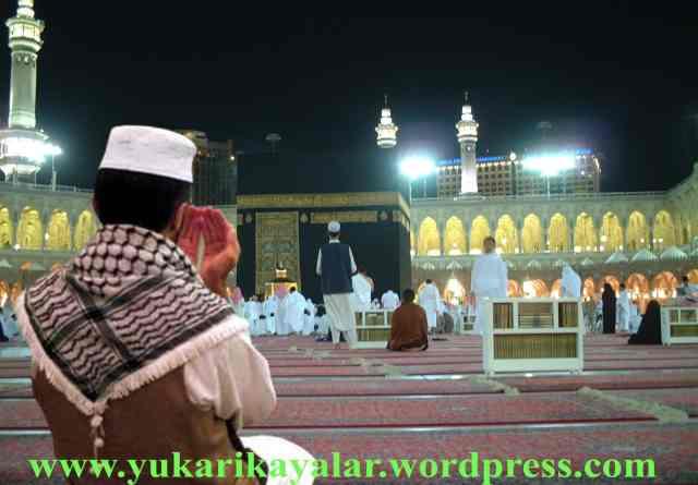 Bir hac, Allah yolunda yapılan yirmi gazve (savaş ve harb'ten) daha faziletlidir.Tefekkür insanı Allah'a götürür.