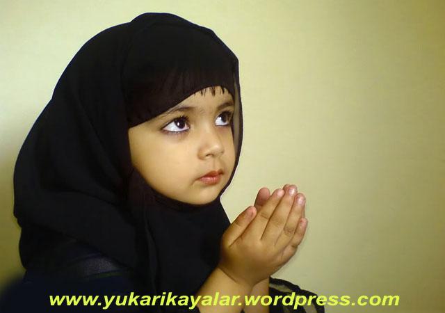 duaunutulan-bir-sunnet-duada-elleri-birlestirmek